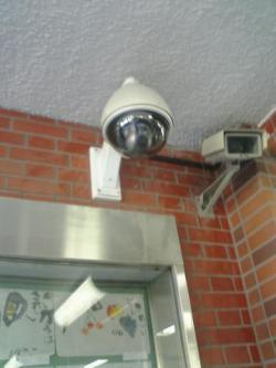 屋外カメラ